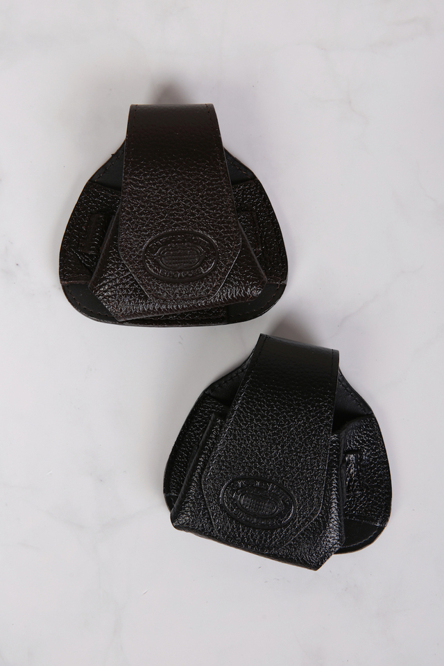 Fine Leather Golf Ball Holder with Embossed Raffles Logo